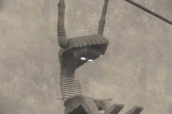 3D Produktvisualisierung: Hängendes Männchen als Sessel mit Leselampe - eine Leseschaukel, fotorealistisch
